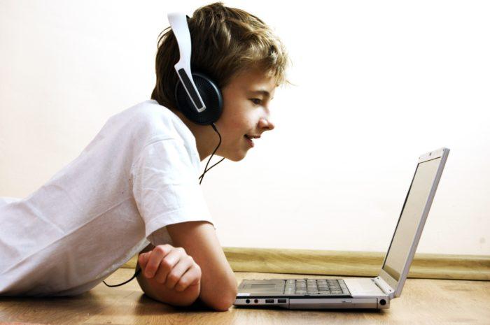 ingilizce oku ve dinle Ücretsiz İngilizce Mp3 Dinleme Dersleri İndir